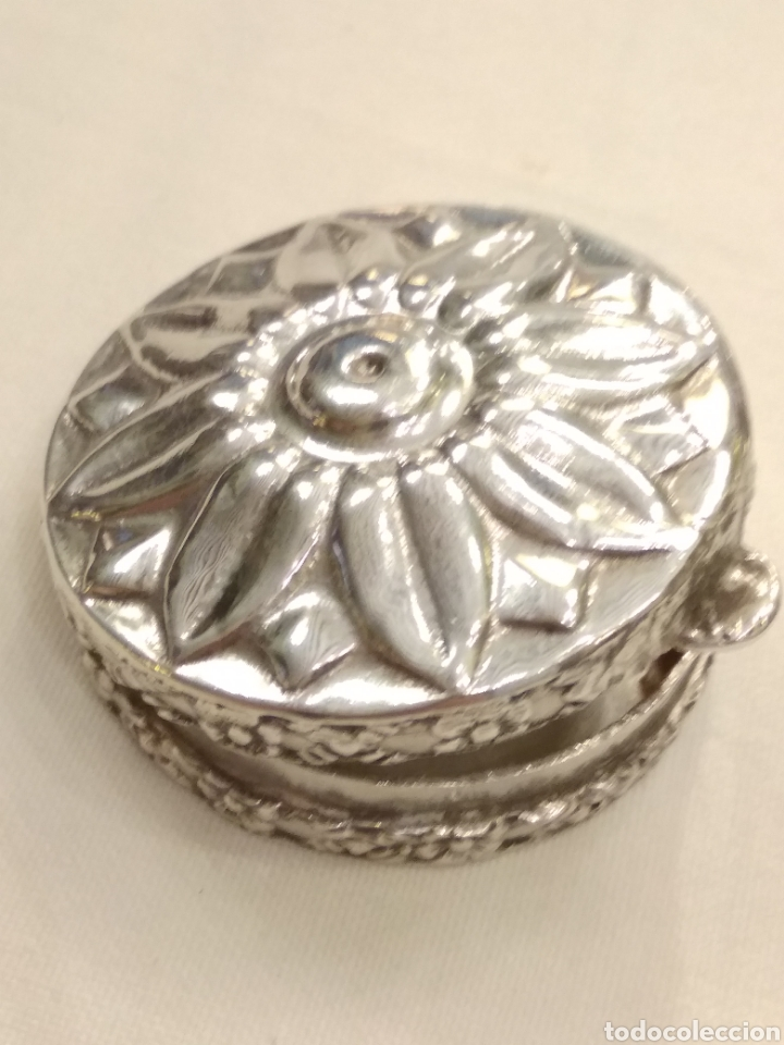 Antigüedades: Cajita pastillero plata de ley siglo XX - Foto 2 - 178923006