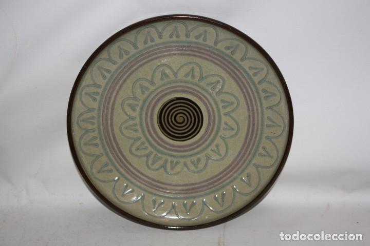 Antigüedades: LOTE DE 6 PLATOS EN CERAMICA DE VILA CLARA (LA BISBAL). MEDIADOS DEL SIGLO XX - Foto 5 - 178944471