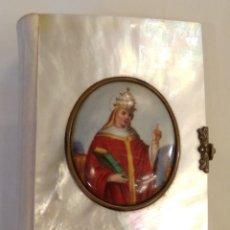 Antigüedades: MISAL DE NÁCAR CON MINIATURA SIGLO XIX. Lote 178944536