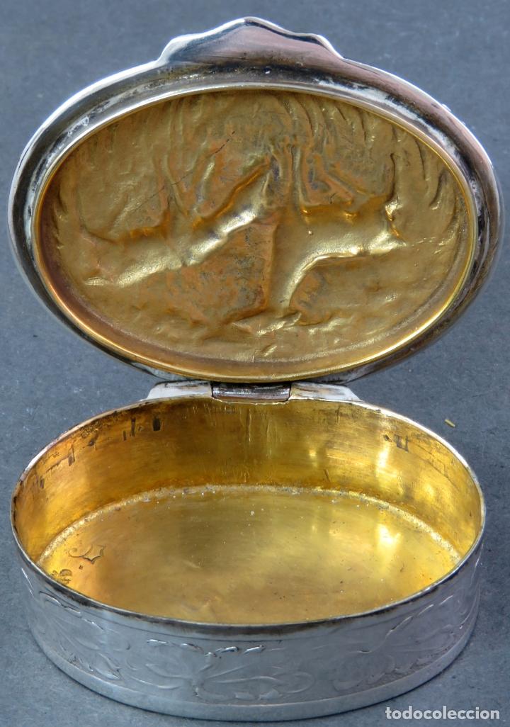 Antigüedades: Caja pastillero en plata pareja de ciervos con interior dorado siglo XX - Foto 3 - 178948203