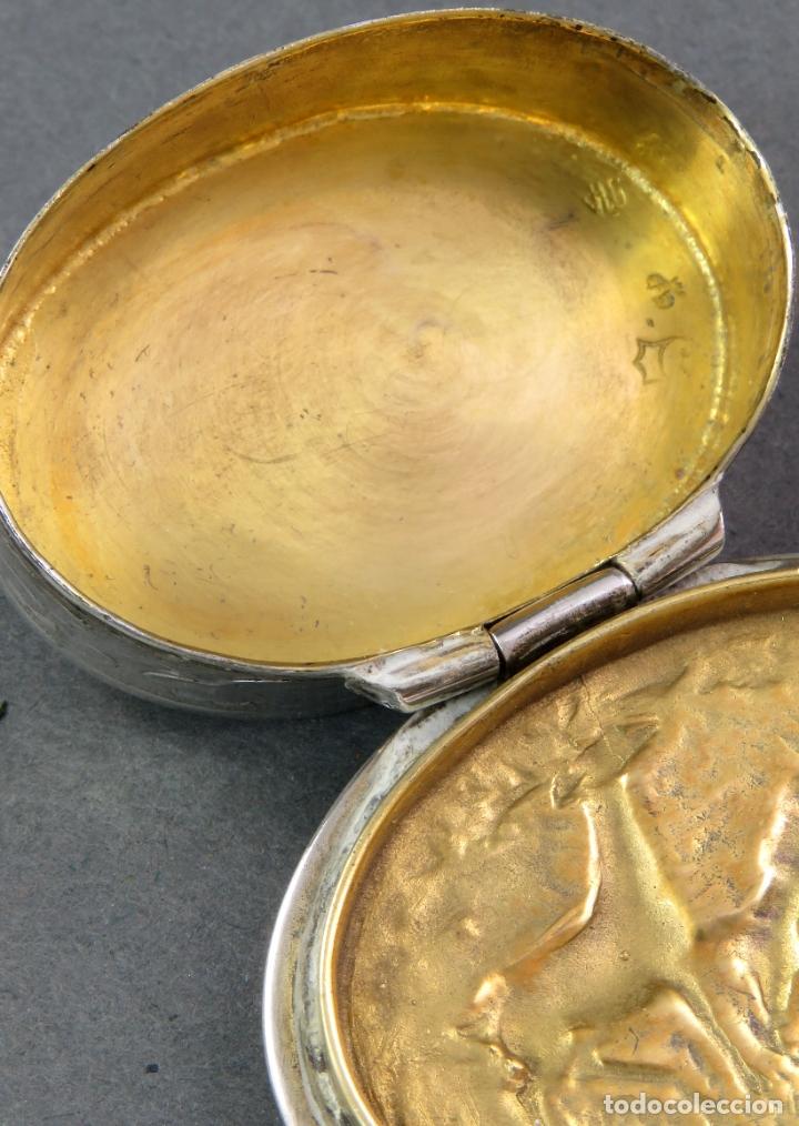 Antigüedades: Caja pastillero en plata pareja de ciervos con interior dorado siglo XX - Foto 4 - 178948203