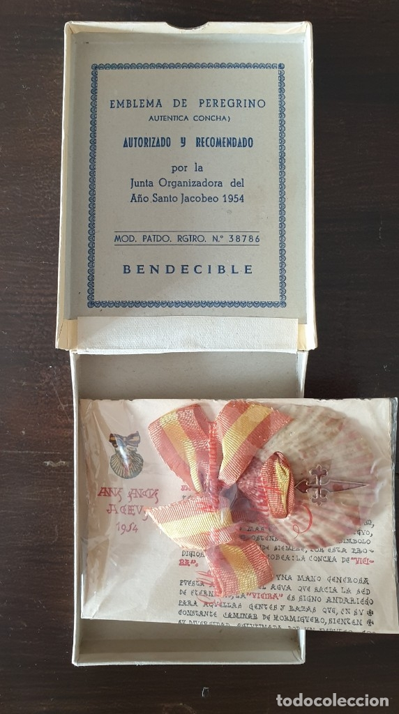 INSIGNIA DE PEREGRINO JACOBEO 1954 (Antigüedades - Religiosas - Varios)