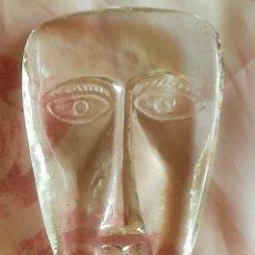 Antigüedades: PISAPAPELES DE CRISTAL TALLADO EN FORMA DE CARA HUMANA. Lote 178968297