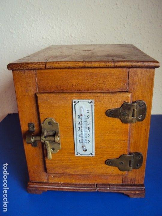 (ANT-191008)NEVERA PORTATIL DE MADERA - INTERIOR DE ZINC (Antigüedades - Técnicas - Rústicas - Utensilios del Hogar)