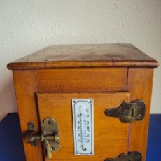 Antigüedades: (ANT-191008)NEVERA PORTATIL DE MADERA - INTERIOR DE ZINC. Lote 179002907