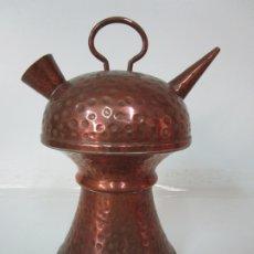 Antigüedades: BONITO BOTIJO DE COBRE - 25 CM ALTURA. Lote 179023498