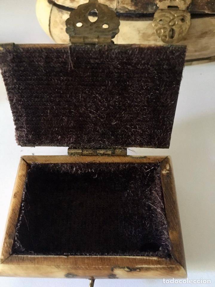 Antigüedades: Cajas cajitas joyero de hueso y bronce de colección, varios tamaños - Foto 6 - 179042260