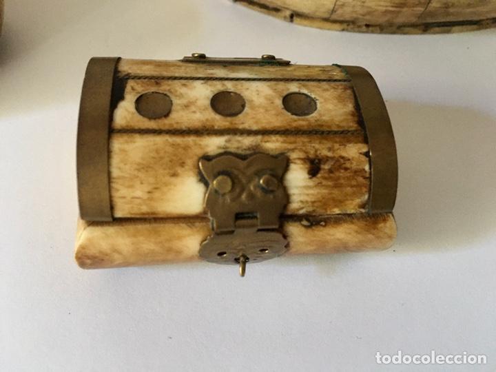 Antigüedades: Cajas cajitas joyero de hueso y bronce de colección, varios tamaños - Foto 7 - 179042260