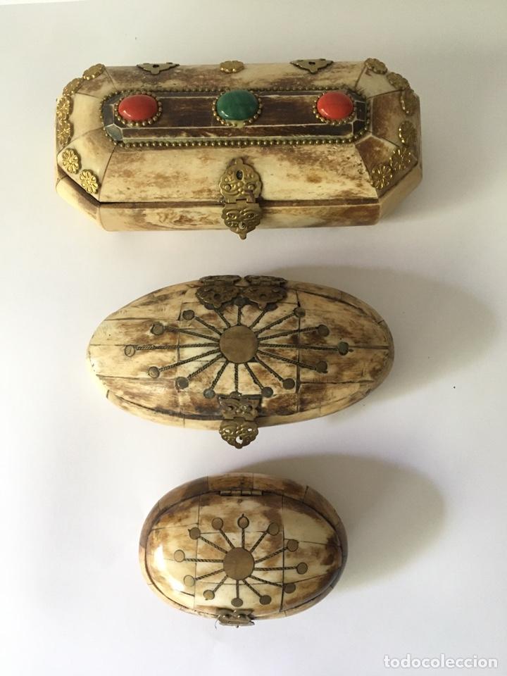 Antigüedades: Cajas cajitas joyero de hueso y bronce de colección, varios tamaños - Foto 10 - 179042260