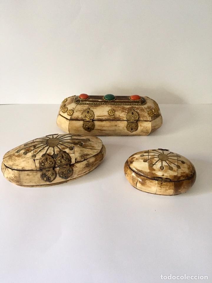Antigüedades: Cajas cajitas joyero de hueso y bronce de colección, varios tamaños - Foto 12 - 179042260
