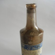 Antigüedades: ANTIGUA BOTELLA FARMACIA A. MARTIN VITORIA ( BOTELLA CRUSELLAS Y CIA BADALONA LETRAS EN RELIEVE ). Lote 179055495