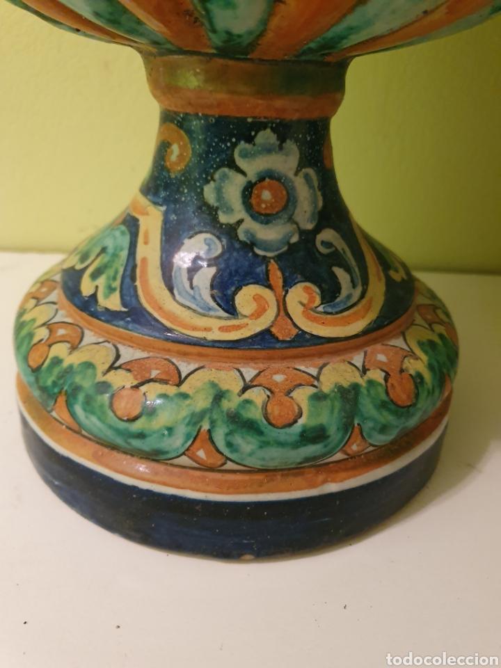 Antigüedades: EXCEPCIONAL PAREJA DE JARRONES MACETEROS REMATES S.XIX TRIANA (SEVILLA) - Foto 2 - 179072816