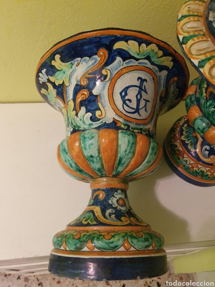 Antigüedades: IMPRESIONANTE PAREJA DE JARRONES MACETEROS REMATES S.XIX TRIANA (SEVILLA) - Foto 5 - 179072816