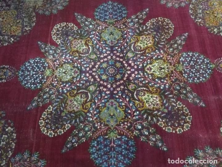 Antigüedades: Alfombra persa de 3.5 x 4 metros color burdeos - Foto 3 - 123249975