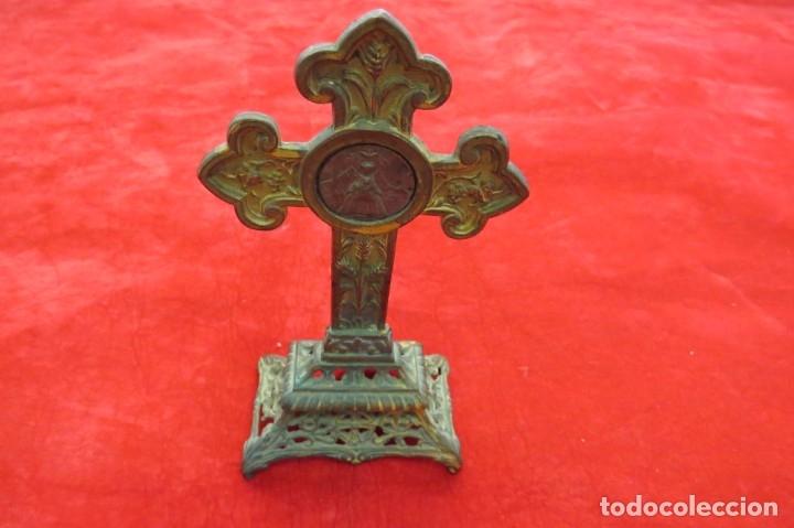 Antigüedades: ANTIGUO CRUCIFIJO CRUZ - DE METAL - VIRGEN - Foto 6 - 179076711