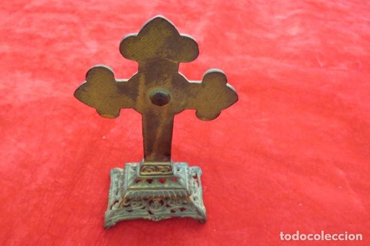 Antigüedades: ANTIGUO CRUCIFIJO CRUZ - DE METAL - VIRGEN - Foto 7 - 179076711