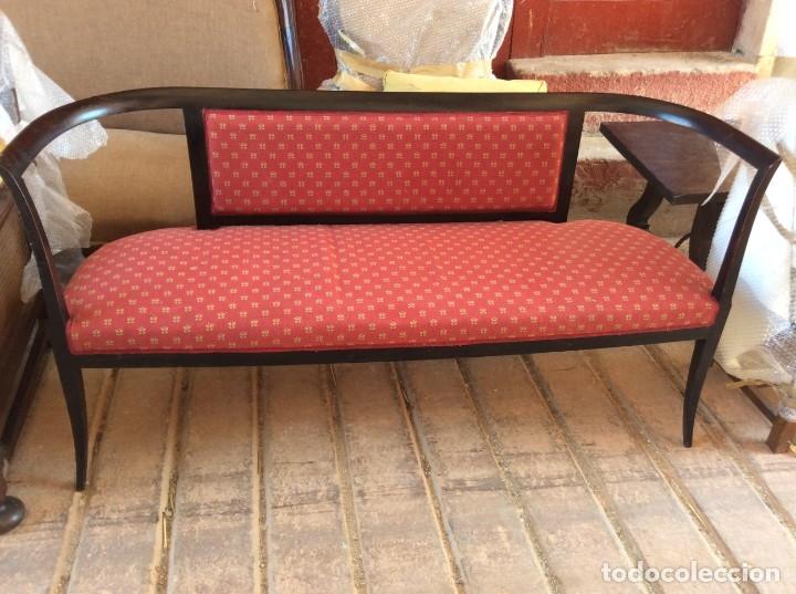 Antigüedades: Banco de madera con asiento y respaldo tapizado - Foto 2 - 179086557