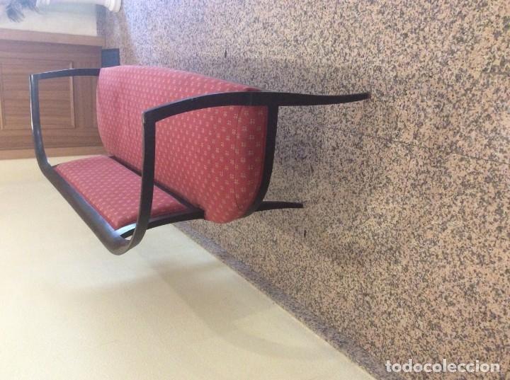 Antigüedades: Banco de madera con asiento y respaldo tapizado - Foto 4 - 179086557