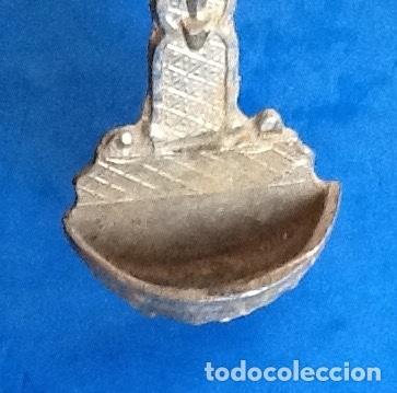 Antigüedades: BENDITERA. METALICA MARCADA -DVIÑALS-. . ENVIO CERTIFICADO INCLUIDO. - Foto 3 - 179089465