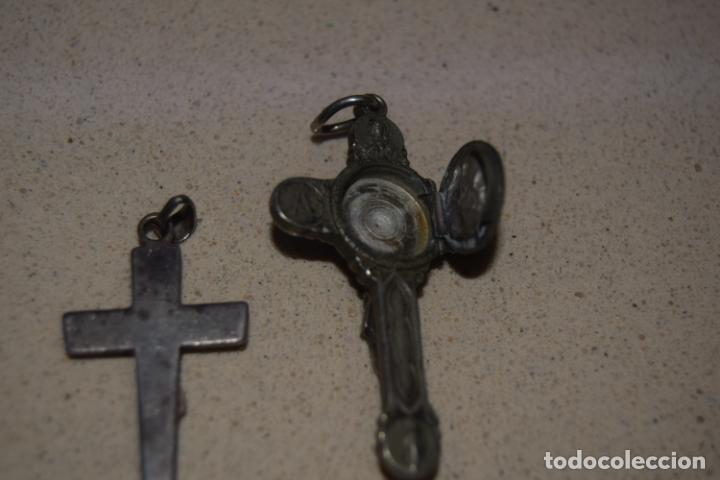Antigüedades: dos cruces relicario y plata - Foto 3 - 179109721