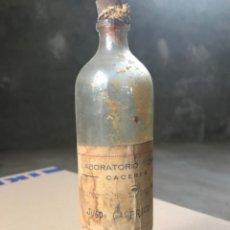 Antigüedades: BOTELLA DE FARMACIA. Lote 179120192