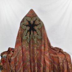 Antigüedades: MANTÓN ALFOMBRADO DE OCHO PUNTAS 320X160 CM, S XIX, MANUAL ETIQUETA DE ORIGEN, PERFECTO ESTADO. Lote 179130921