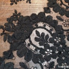 Antigüedades: MANTILLA NEGRA PARA PEINETA - 210 X 85CM - FINA TELA GRAN DETALLE. Lote 179140728