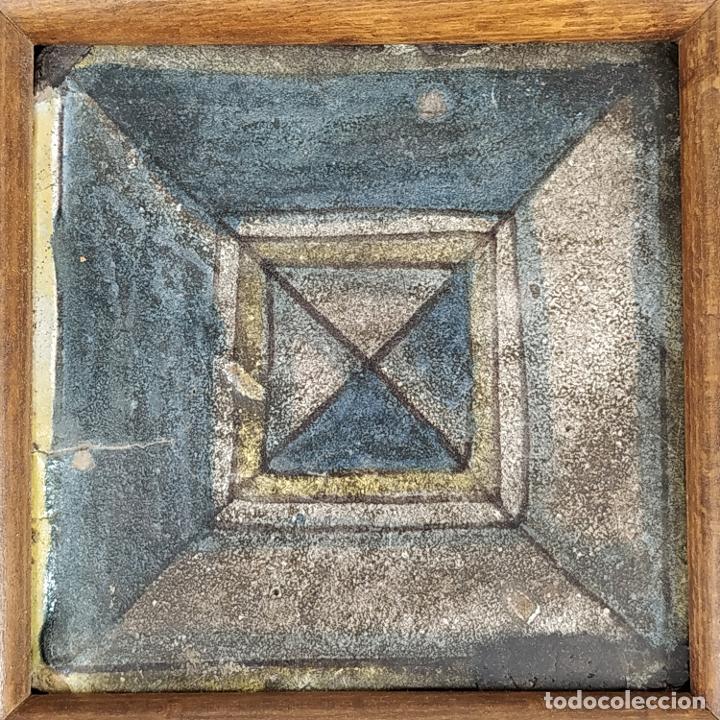 AZULEJO DE ESTILO RENACENTISTA. CERÁMICA ESMALTADA. CATALUNYA. ESPAÑA. XVI-XVII (Antigüedades - Porcelanas y Cerámicas - Azulejos)