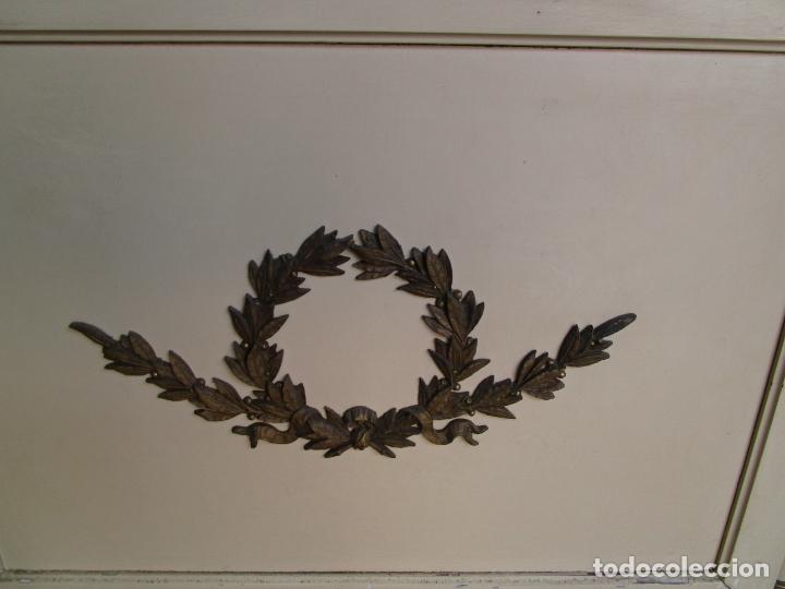 Antigüedades: Bonito Sofá, Tresillo Estilo Imperio - Madera de Caoba - Laca Blanca - Decoraciones en Bronce - Foto 17 - 179144808
