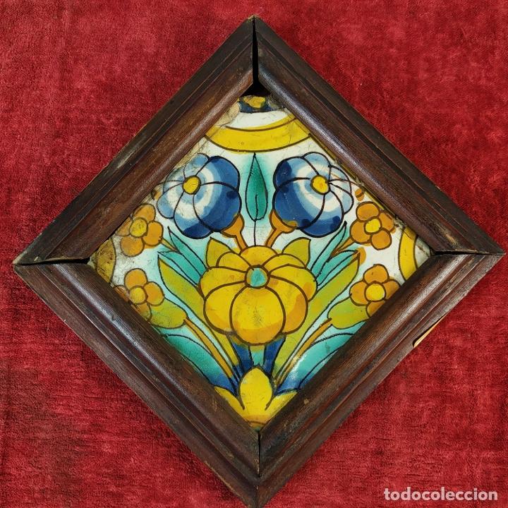 AZULEJO BARROCO. CERÁMICA ESMALTADA. CATALUNYA. ESPAÑA. XVII-XVIII (Antigüedades - Porcelanas y Cerámicas - Azulejos)