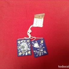 Antigüedades: ESCAPULARIO BORDADO SANTO CON NIÑO MEDIDAS. 6'5 X5'5 CENTIMETROS . Lote 179154131