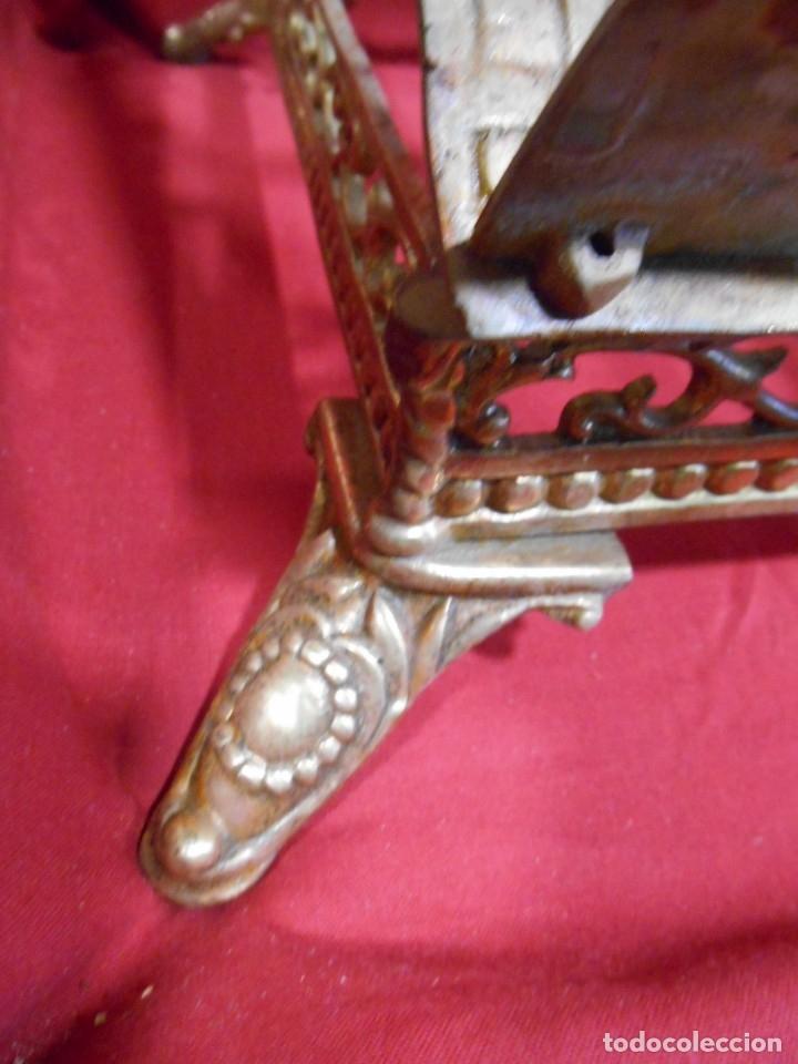 Antigüedades: PRECIOSO ATRIL DE SOBRE MESA EN BRONCE DORADO - SIGLO XIX-XX - - Foto 4 - 179182446