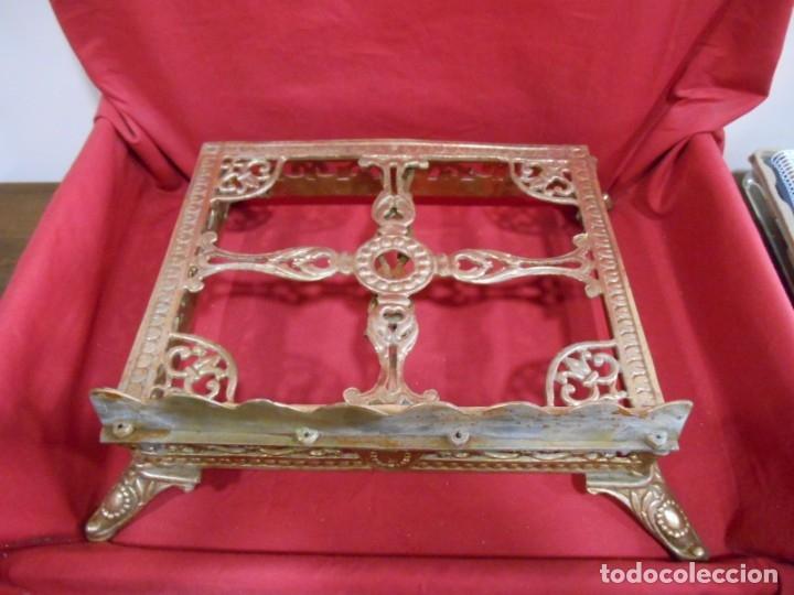 Antigüedades: PRECIOSO ATRIL DE SOBRE MESA EN BRONCE DORADO - SIGLO XIX-XX - - Foto 9 - 179182446