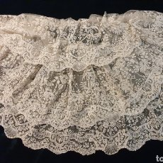 Antigüedades: MARAVILLOSA BLONDA ANTIGUA DE PUNTO DE AGUJA. Lote 179183391