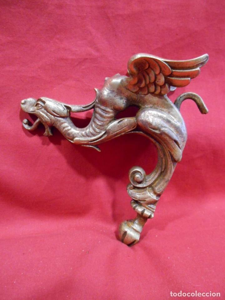 ANTIGUO APLIQUE EN BRONCE CON FORMA DE DRAGON (Antigüedades - Iluminación - Apliques Antiguos)