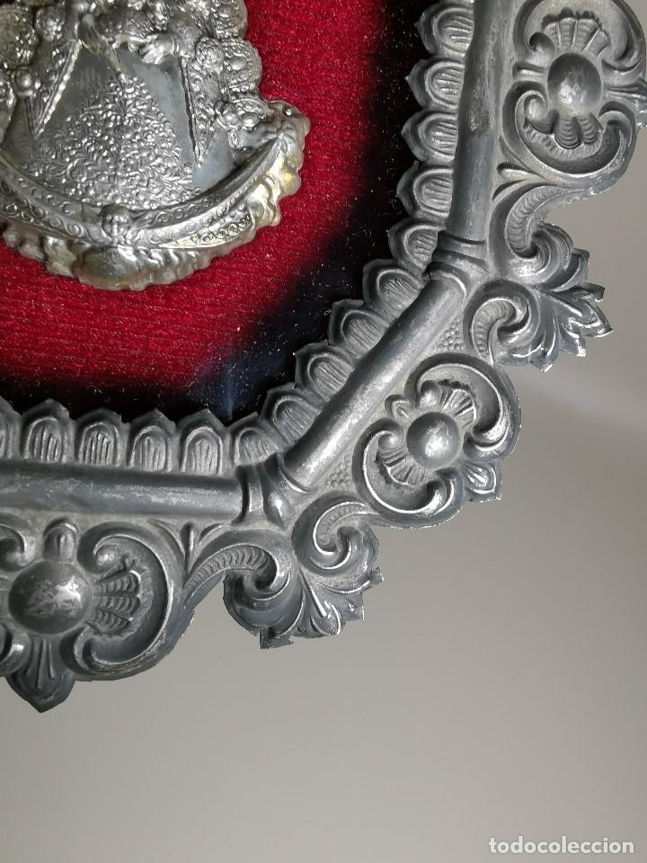 Antigüedades: RELICARIO CUSTODIO DEVOCIONAL DE LA VIRGEN DEL ROCIO-PLATA DE LEY 925 CAPILLA - Foto 5 - 179195870