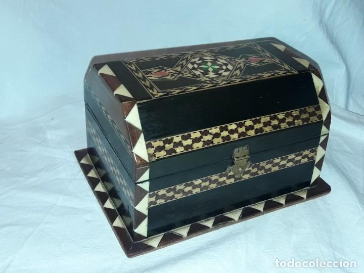 Antigüedades: Bella antigua caja madera marquetería taracea de Granada - Foto 2 - 179203428