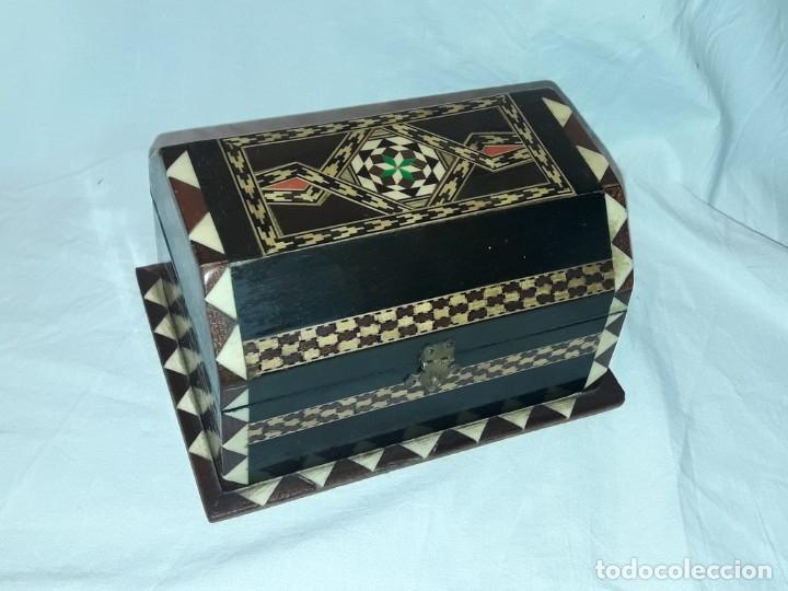 Antigüedades: Bella antigua caja madera marquetería taracea de Granada - Foto 4 - 179203428