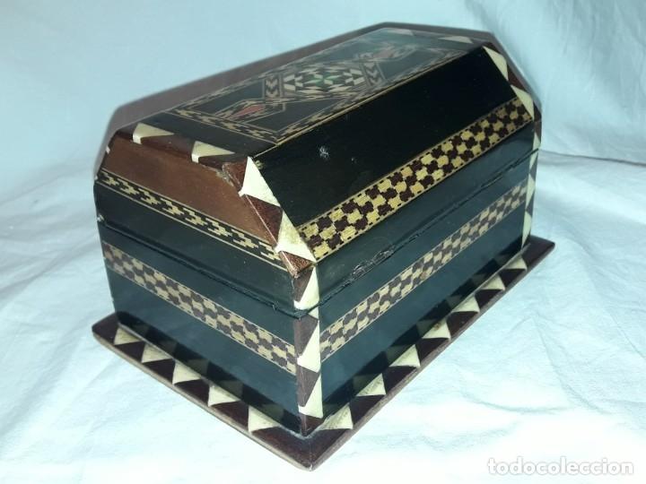 Antigüedades: Bella antigua caja madera marquetería taracea de Granada - Foto 7 - 179203428