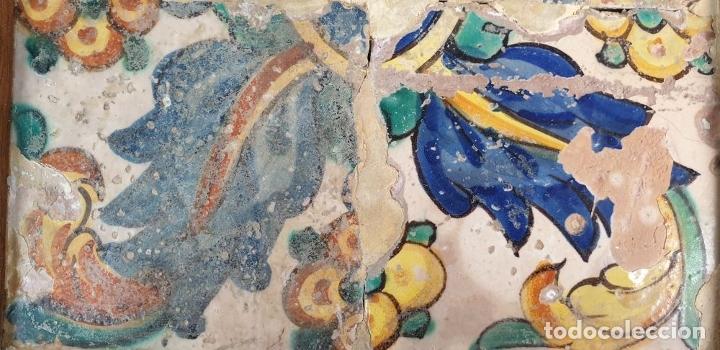 Antigüedades: COMPOSICION DE 4 AZULEJOS BARROCOS. CERÁMICA CATALANA. MOTIVOS FLORALES. SIGLO XVII-XVIII. - Foto 3 - 179222147