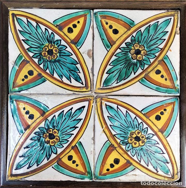 AZULEJOS BARROCOS. CERÁMICA ESMALTADA. HOSPITAL DE LA SANTA CREU. BARCELONA. ESPAÑA. XVII-XVIII (Antigüedades - Porcelanas y Cerámicas - Azulejos)