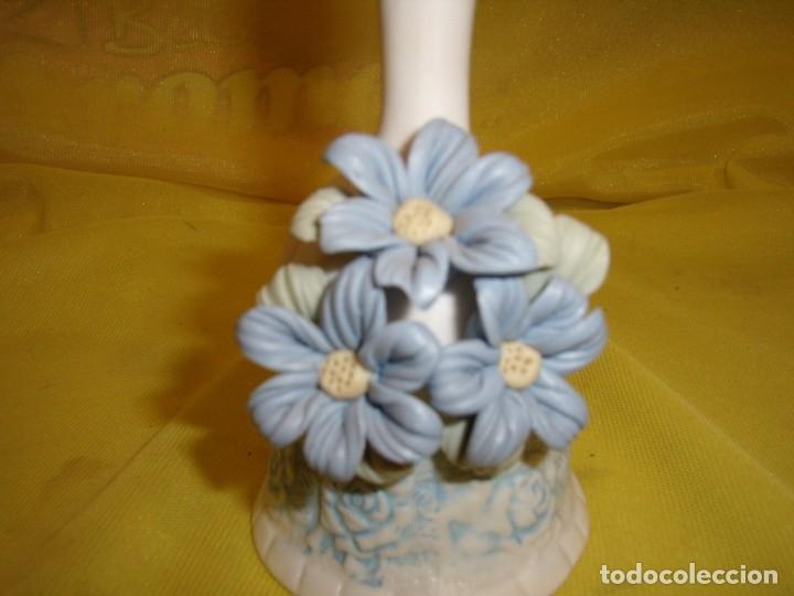 Antigüedades: Campana porcelana cerámica flores azules, años 70, Nueva si usar. - Foto 2 - 179240861