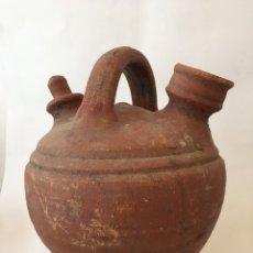 Antigüedades: ANTIGUO BOTIJO DE BARRO POPULAR. Lote 179245990