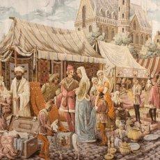 Antigüedades: GIGANTESCO TAPIZ DE FABRICACION MECANICA DE APROXIMADAMENTE MEDIADOS DEL SIGLO XX. 130 X 242 CM.. Lote 179248580