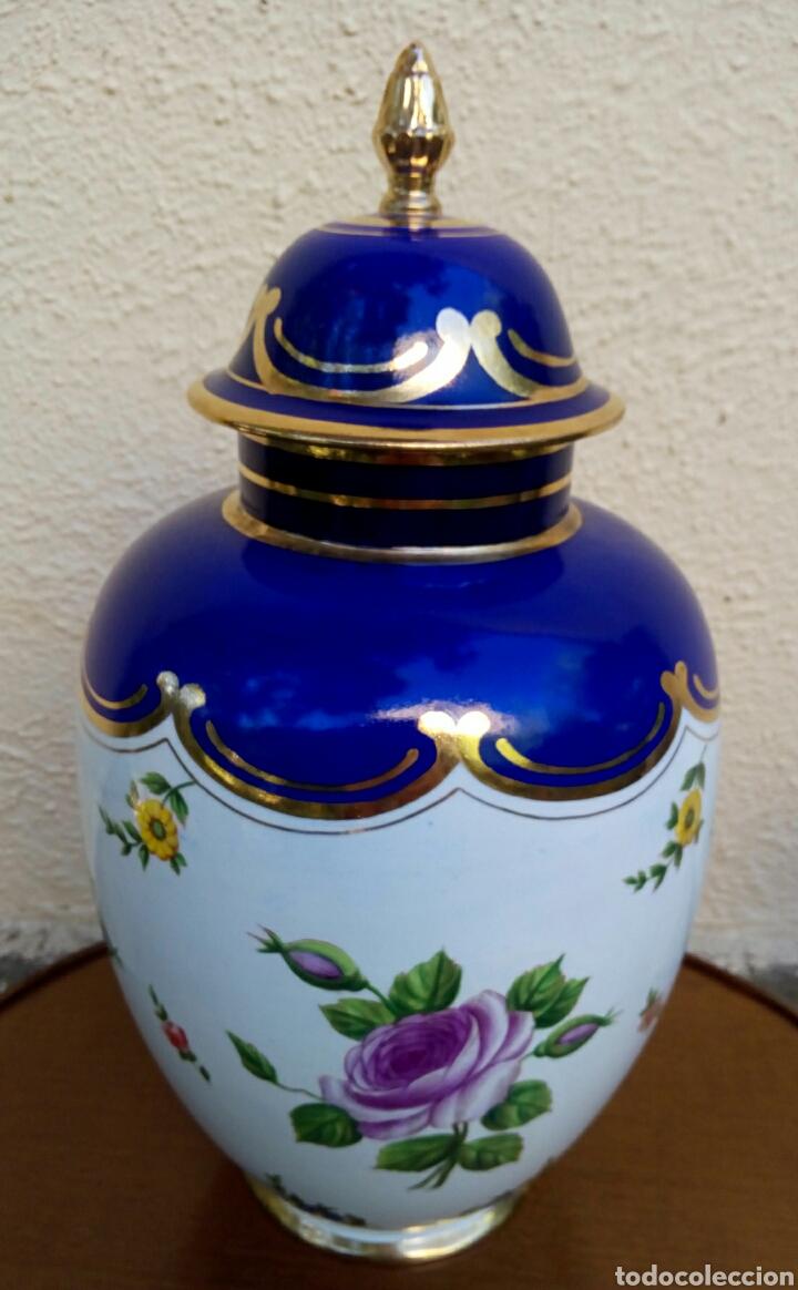 Antigüedades: Jarron frances de porcelana. Decorado mano con motivos florales y oro de ley. Posiblemente Limoges - Foto 3 - 179248748