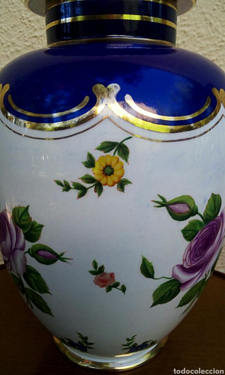Antigüedades: Jarron frances de porcelana. Decorado mano con motivos florales y oro de ley. Posiblemente Limoges - Foto 7 - 179248748