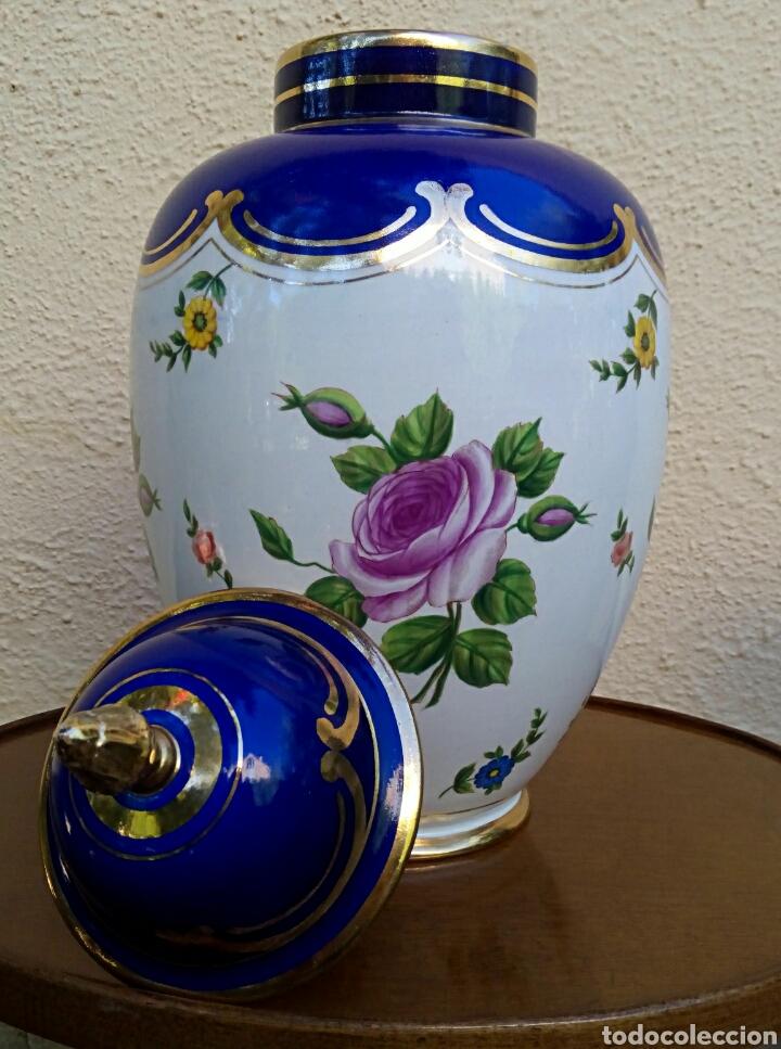 Antigüedades: Jarron frances de porcelana. Decorado mano con motivos florales y oro de ley. Posiblemente Limoges - Foto 9 - 179248748