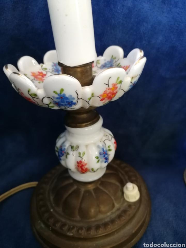 Antigüedades: Pareja lamparas de mesilla antiguas de bronce y porcelana - Foto 5 - 179248960