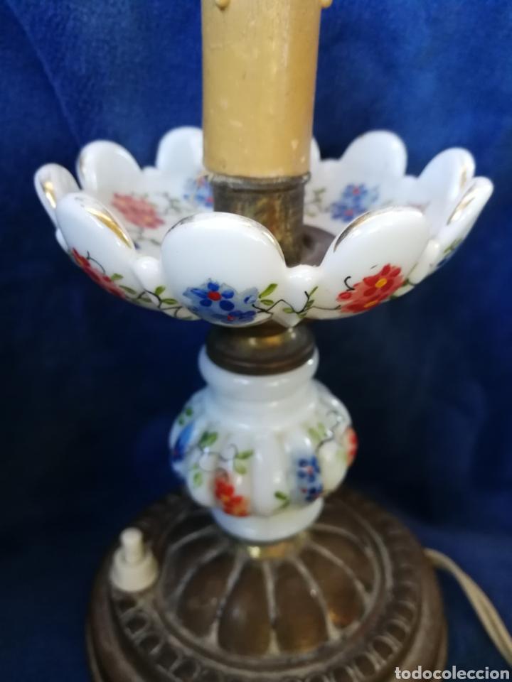 Antigüedades: Pareja lamparas de mesilla antiguas de bronce y porcelana - Foto 6 - 179248960