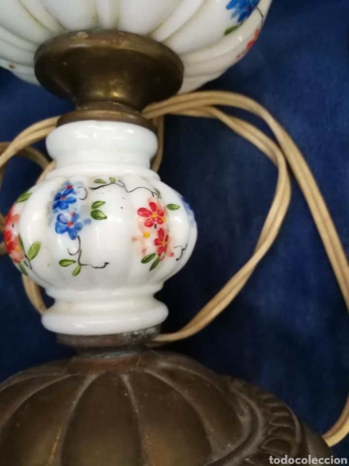 Antigüedades: Pareja lamparas de mesilla antiguas de bronce y porcelana - Foto 8 - 179248960